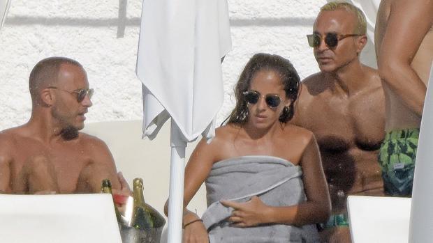 Anabel Pantoja y Luis Rollán durante sus vacaciones en Ibiza
