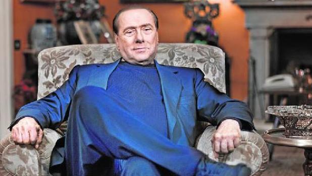 Berlusconi en su mansión en Milán