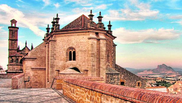 Colegiata de Santa María la Mayor, la primera iglesia renacentista de Andalucía