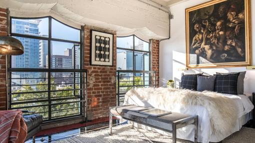 Cinco apartamentos adyacentes que usaba como habitación