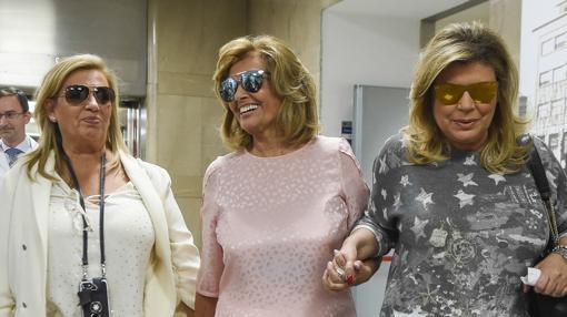 El clan Campos formado por María Teresa Campos, Terelu y Carmen Borrego