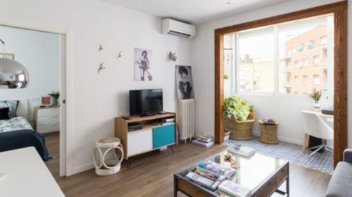 Salón del apartamento de Maya Hansen
