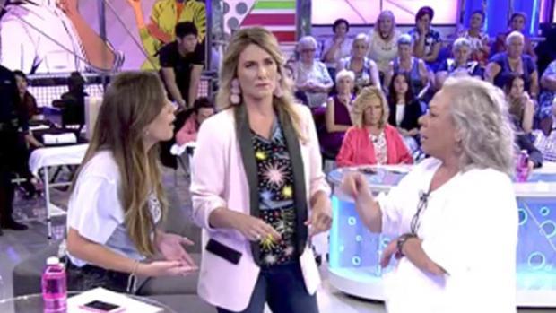 """Anabel Pantoja, Carmen Gahona y Carlota Corredera, en el plató de """"Sálvame"""" este martes"""