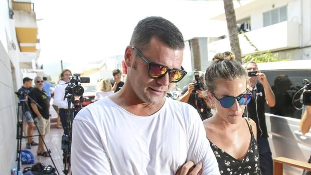 Fonsi Nieto con su mujer Marta Castro