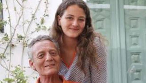 Victoria de Hohenlohe junto a su padre