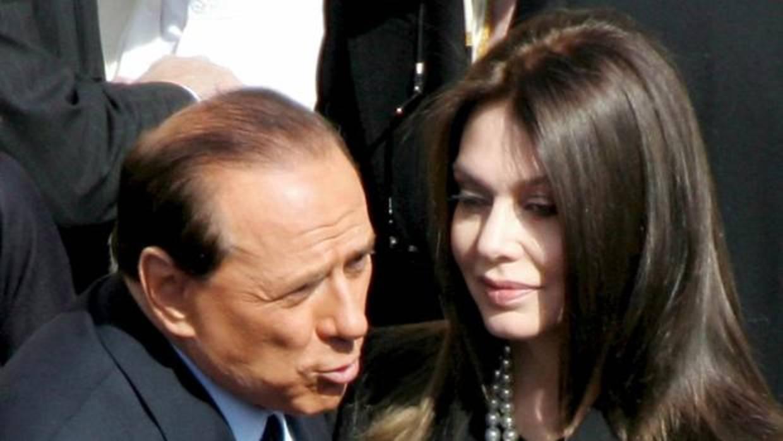Silvio Berlusconi piensa en un gesto de magnanimidad hacia Verónica Lario