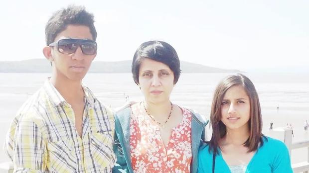 La familia de Jacintha Saldanha