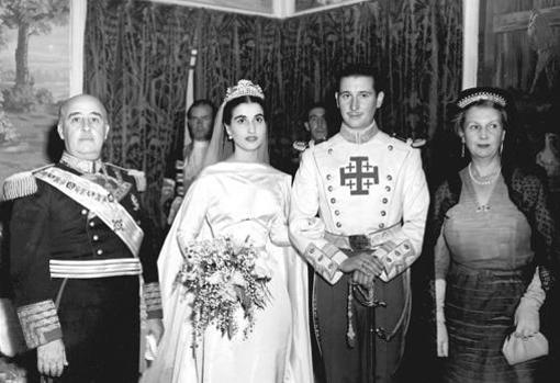 Boda de Carmen Franco con Cristóbal Martínez-Bordiú