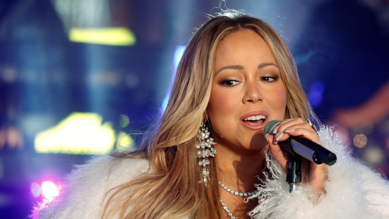 Mariah Carey regresa a Times Square para olvidar el ridículo del pasado año