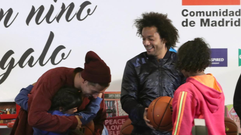 Sergio Ramos, Marcelo y Gustavo Ayón, solidarios con los niños antes del día de Reyes