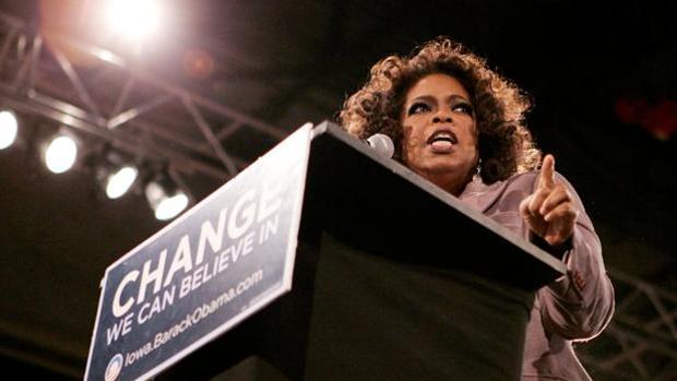 Oprah Wnfrey haciendo campaña por Barak Obama
