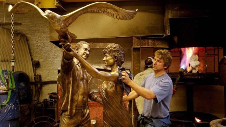 Harrods anuncia que retirar la estatua de diana de gales for Muebles princesa sevilla