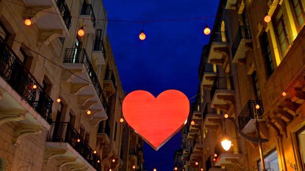 San Valentín llena de amor las calles de las ciudades españolas