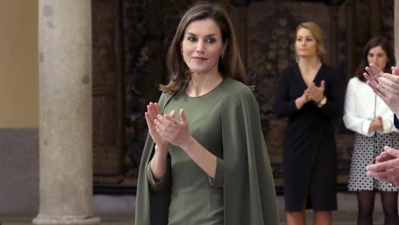 La Reina Letizia vuelve a deslumbrar con su vestido más misterioso