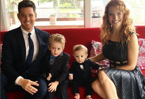 Michael Bublé y Luisana Lopilato junto a sus dos hijos