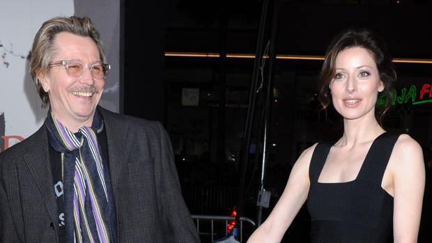 Gary Oldman junto a su ex Donya Fiorentino