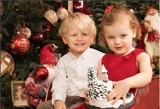 Jacques y Gabriella de Mónaco en la felicitación navideña de 2017