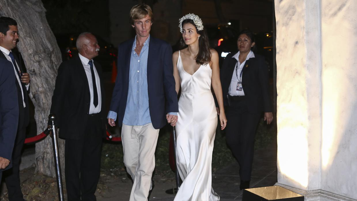 Clásicos y discretos, los vestidos de Sassa de Osma en su boda