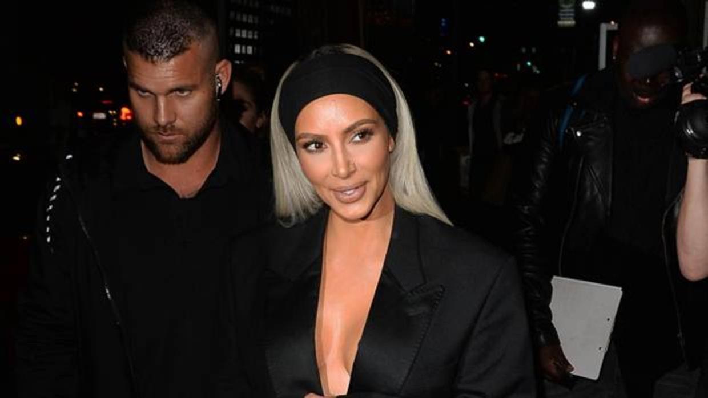 Las llamadas nocturnas de Kim Kardashian a su facialista para arreglar su piel