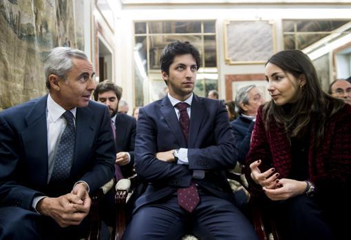 La duquesa de Suárez con su padre, Fernando Romero, y su hermano