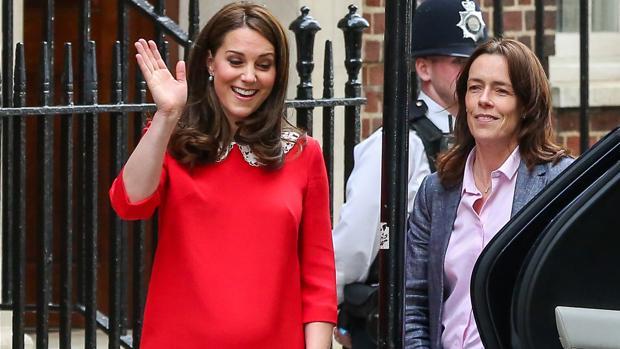 La Duquesa de Cambridge al salir del hospital