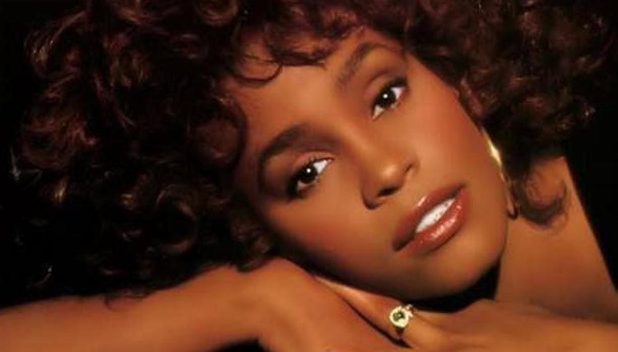 El oscuro secreto de Whitney Houston: abusada sexualmente por su prima