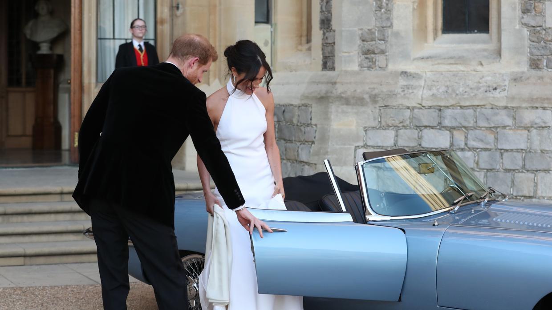 De las bromas de Carlos de Inglaterra a la llamada urgente a una pizzería, las anécdotas de la boda del año