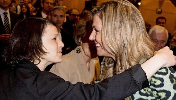 Máxima de Holanda saluda a su hermana pequeña