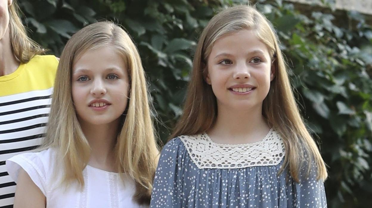 La Princesa Leonor y la Infanta Sofía siguen los pasos del Rey