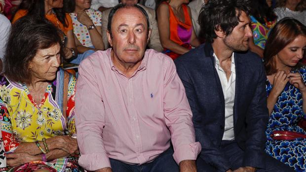 Luis Miguel Rodríguez, en el desfile de Ágatha Ruiz de la Prada