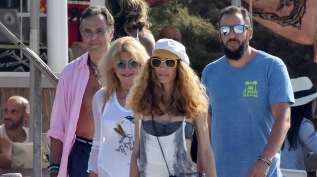 Manuel Segura, Carmen Cervera, Blanca Cuesta y Borja Thyssen en Formentera