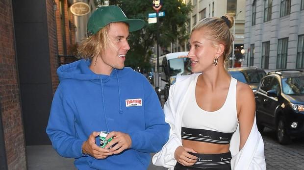 Hailey Baldwin y Justin Bieber paseando por Brooklyn (Nueva York)