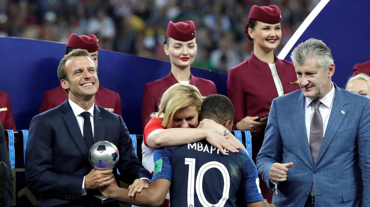 Así es Kolinda Grabar-Kitarovic: presidenta de Croacia, madre de familia y amante del deporte