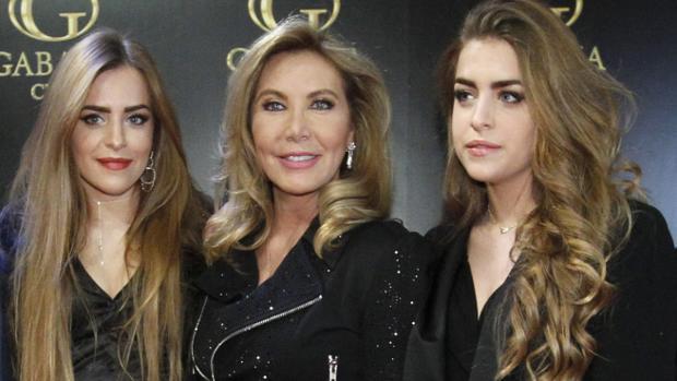 Norma Duval y sus sobrinas