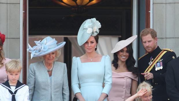 Camila Parker, Catalina de Cambridge, Megan de Suxxes y el Príncipe Harry