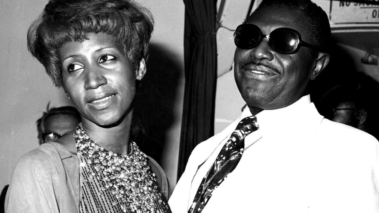 De las orgías al alcohol: todos los escándalos de la biografía no autorizada que enfureció a Aretha Franklin