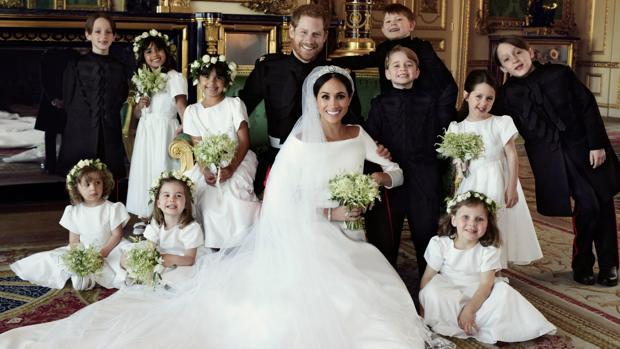 5054dbbc7f Gente estilo Meghan Markle y el Príncipe Harry con sus pajes el día de su  boda
