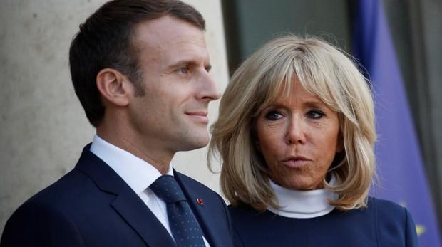 Emmanuel Macron y su esposa Brigitte