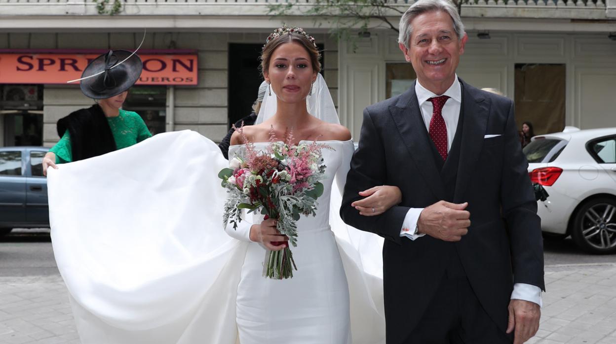 Josema Yuste reaparece feliz en la boda de su hija