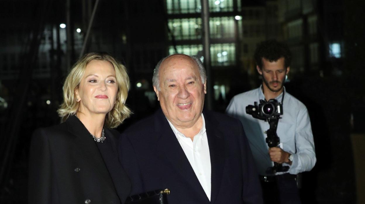 Amancio Ortega y Flora Pérez ya han llegado a la cena de gala de la boda de su hija Marta y Carlos Torretta