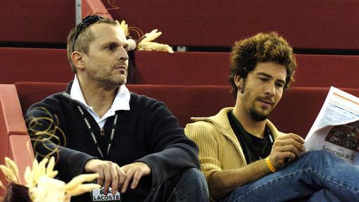 Miguel Bosé y Nacho Palau durante el Master Series Madrid 2004