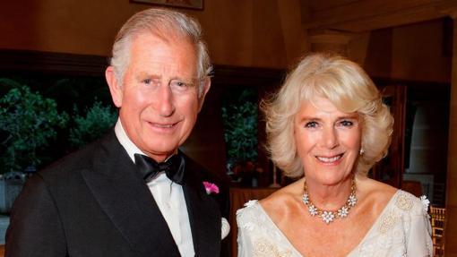 Posado del Príncipe Carlos junto a Camila Parker-Bowles
