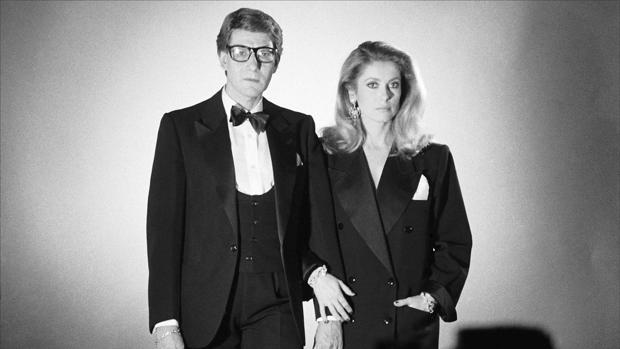 Yves Saint Laurent y Catherine Deneuve y