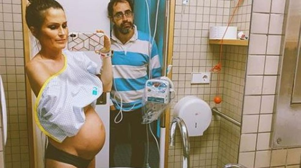 Verdeliss y su marido en el hospital
