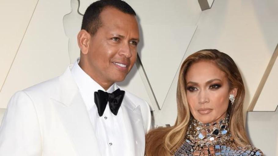 Jennifer Lopez ya tiene el anillo: se compromete con Alex Rodriguez