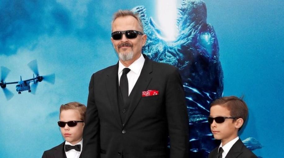 Miguel Bosé posa por primera vez con sus hijos en Hollywood