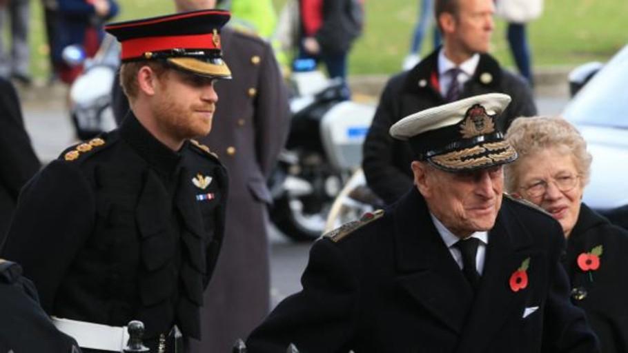 El Duque de Edimburgo, al Príncipe Harry: «Uno sale con actrices, no se casa con ellas»