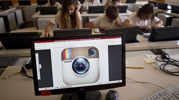 Sala de Informática del colegio Gaudem, de Madrid, donde los alumnos aprenden las claves para conservar su privacidad y más seguridad en el uso de internet