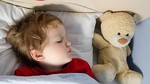 El 90% de los niños que mojan la cama lo hacen por una causa médica