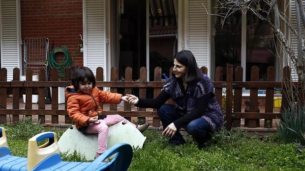 El boom de las «madres de día» que abren sus casas al cuidado de bebés